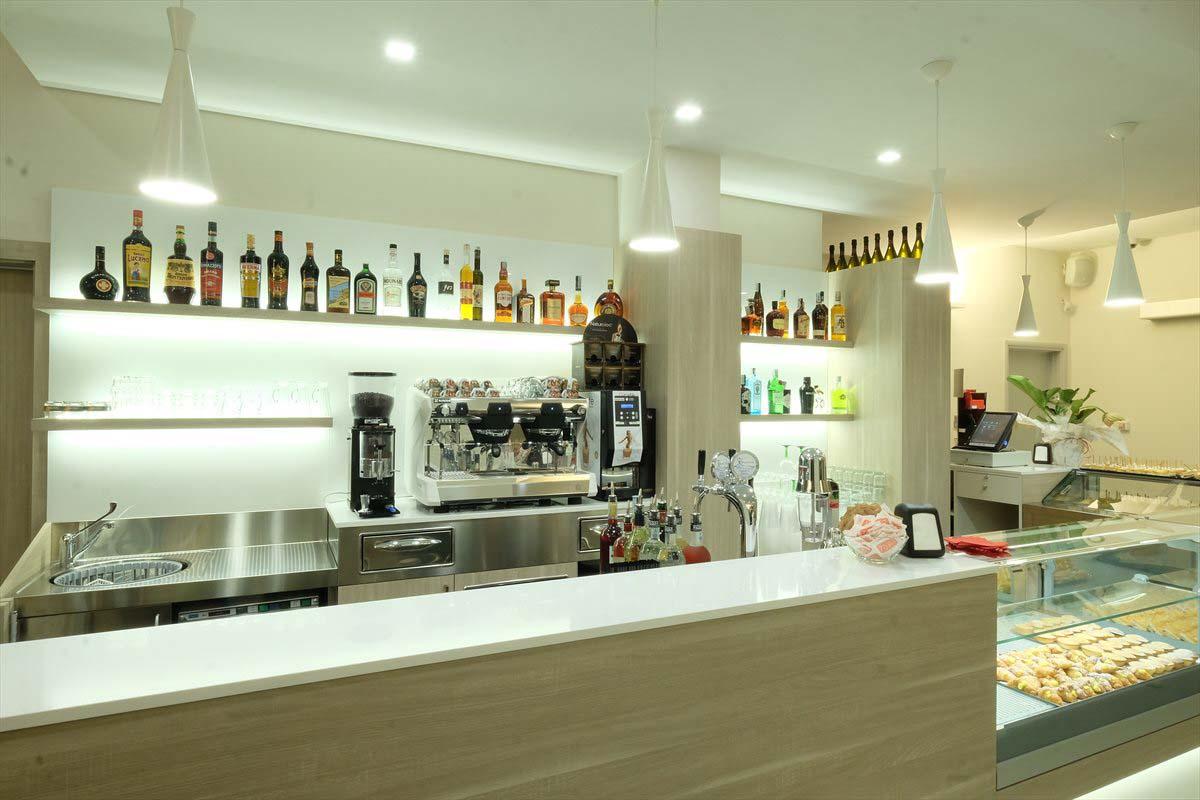Arredi Bar Moderni stazione di servizio | erresse legno arredamenti
