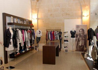 arredamento-negozio-abbigliamento-1